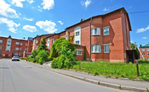 Просторная 3-х ком. квартира в центре г.Волоколамск, по адресу: пер.Панфилова, д.4(БРОНЬ)
